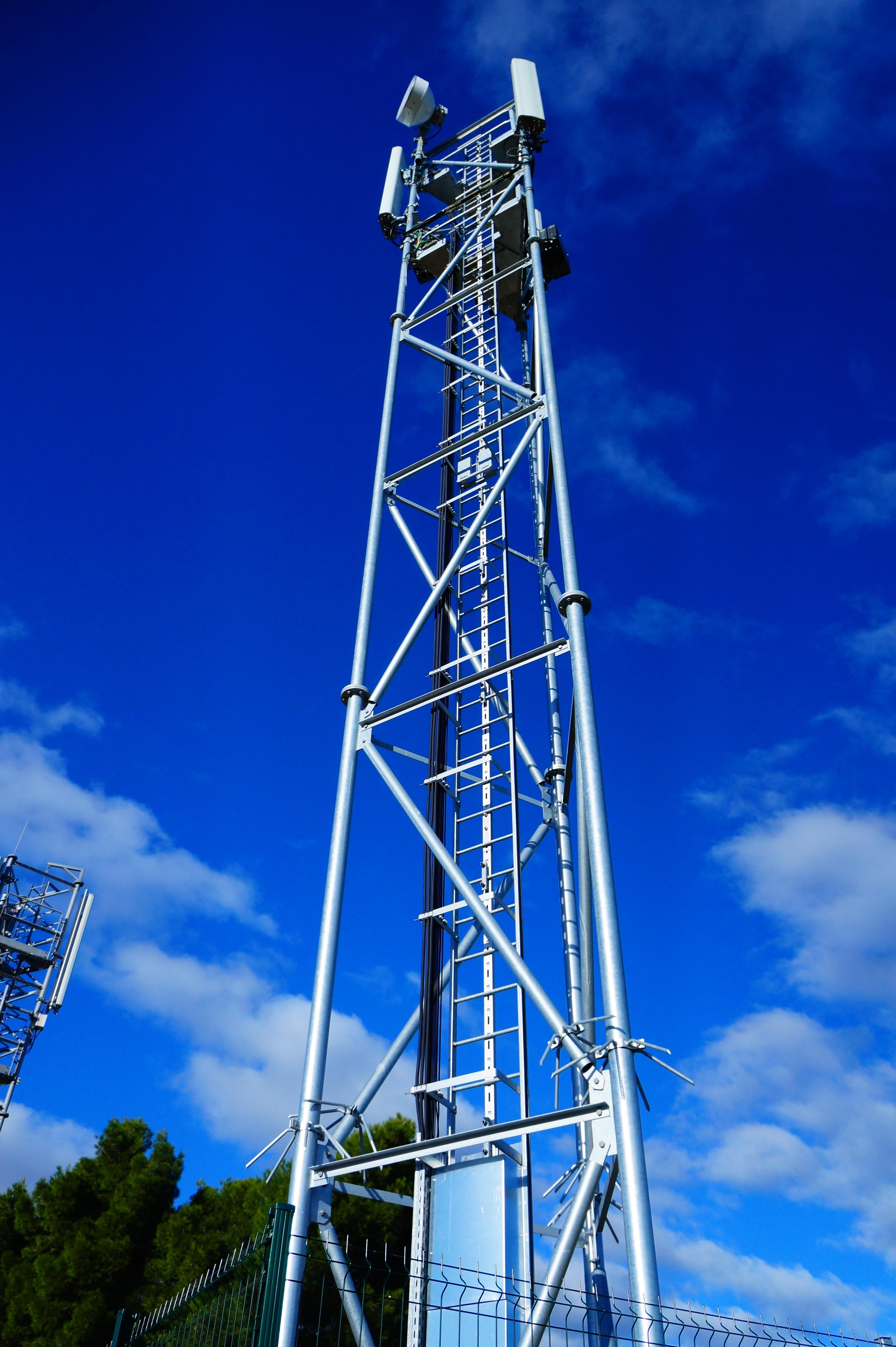 Antenne relais Free Mobile 4G ( Hérault - France )